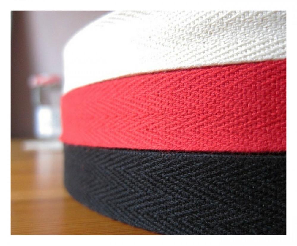 Thun dệt kim chinh phục mọi người bởi sự đa dạng kích thước và màu sắc