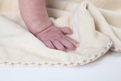 maggie hand on bliss kangaroo care cuddledry baby towel