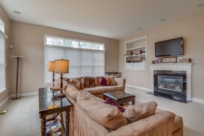 22414 Dinah Pl Leesburg VA-small-018-42-Main Living Area-666x445-72dpi.jpg