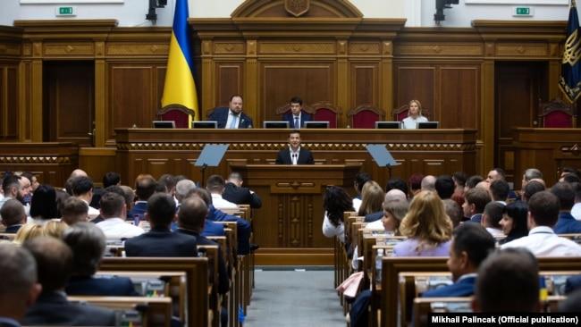 Володимира Зеленського критикуватимуть всередині країни, якщо він заявлятиме про перемир'я, якого немає