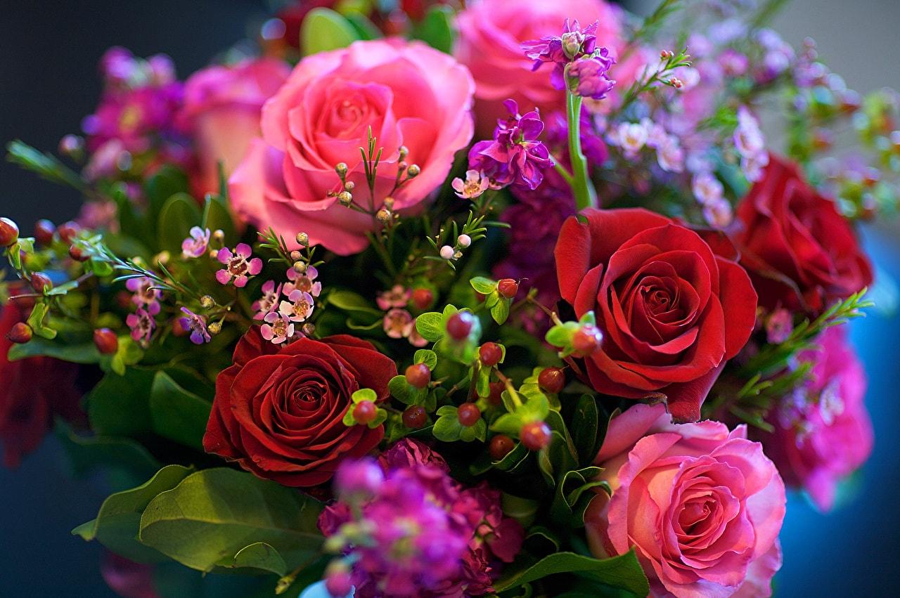 Принести девушке на работу цветы работа в щёлкинооспаривается