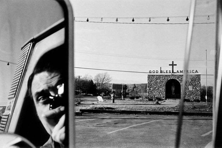 Lee Friedlander, Route 9W, New York, 1969, (Fraenkel Gallery, San Francisco).