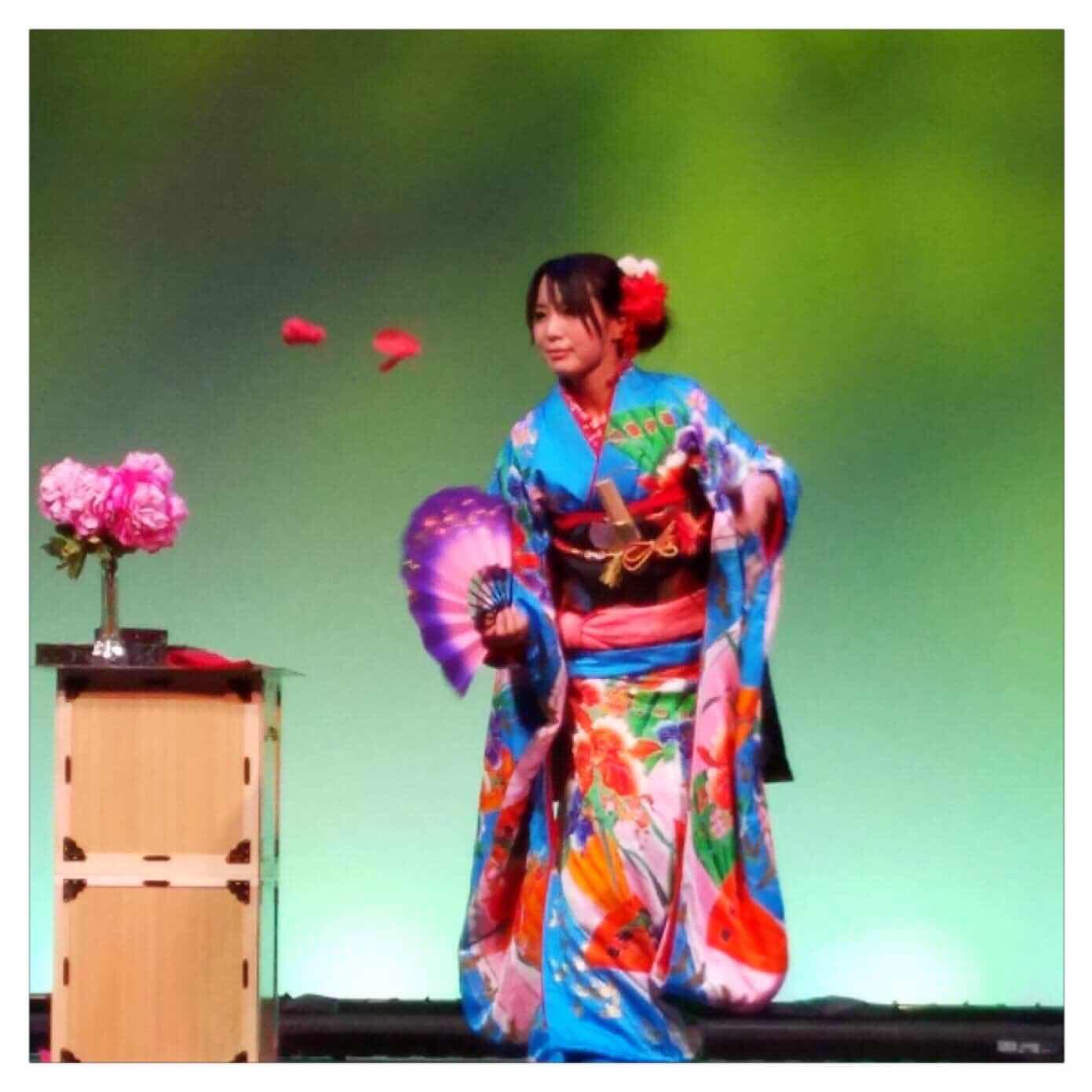 胡蝶の舞|和妻|美人マジシャン!? アリス(有栖川 萌)公式ブログ|マジックショー,イリュージョン,手妻(和妻,和風手品)の全国出張承ります♪