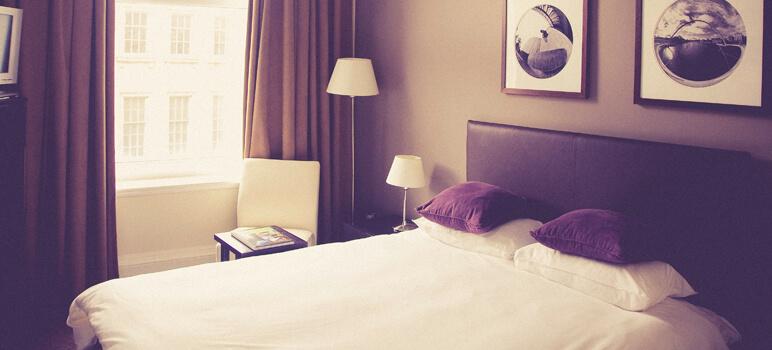 How to create a hotel company