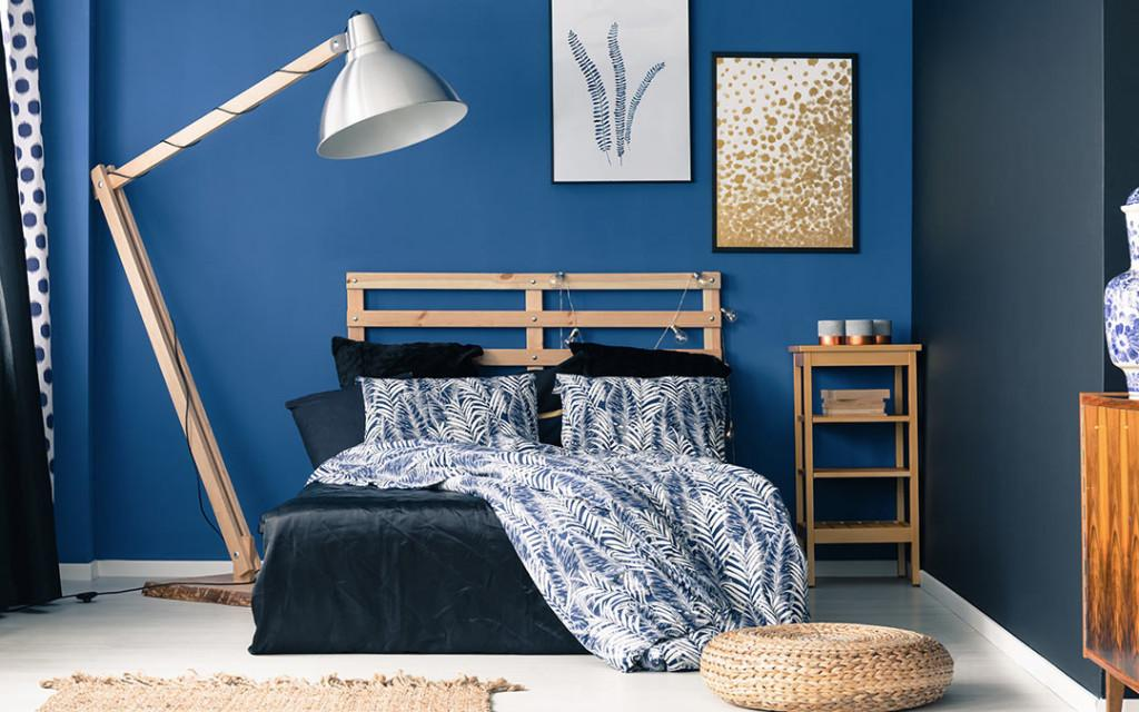 A-bedroom-painted-with-Indigo-and-White-colour-1024x640.jpg