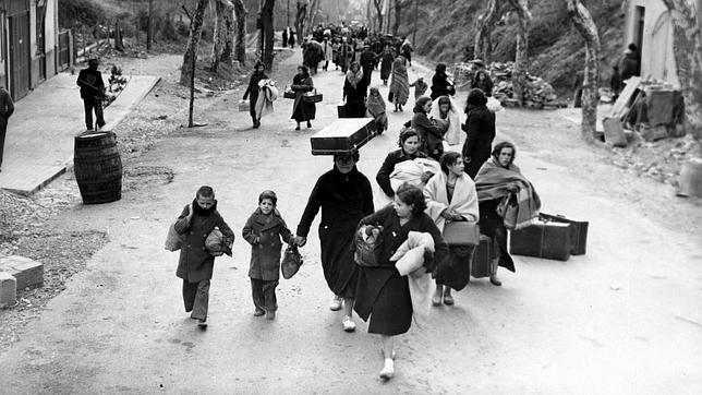 mujeres-hacia-exilio-1937--644x362.jpg