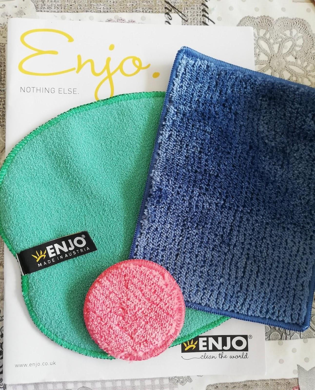 "(<img alt=""ENJO cleaning cloths"">)"