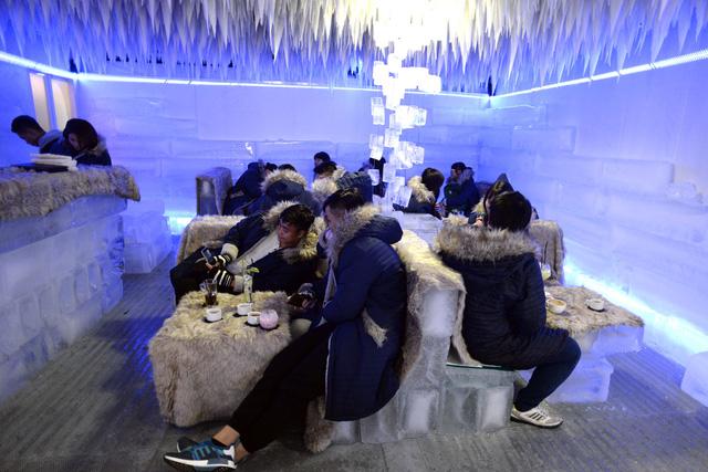 Sơn hiệu ứng Waldo-Không gian bên trong quán Ice Lounge