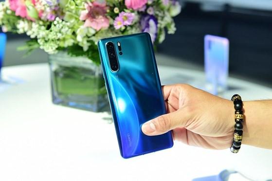 Sửa lỗi mất rung Huawei P30 uy tín lấy ngay