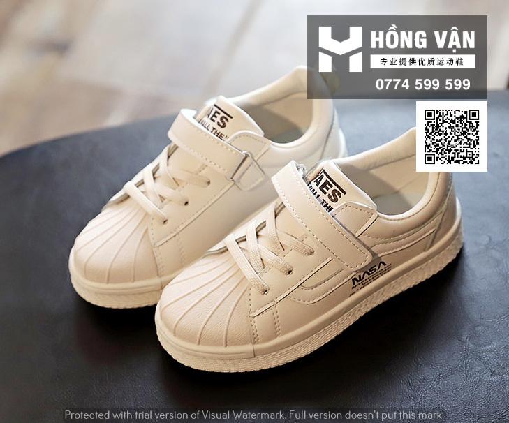 Hồng Vận - Nhà buôn sỉ giày thể thao và kèm theo những phụ kiện thể th - 18