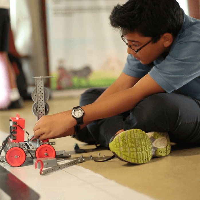 An innovator with Avishkaar DIY Kit