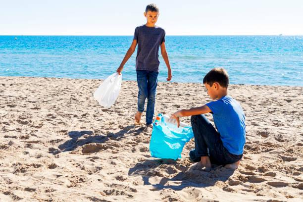 childrens taking initiatives to clean the environment