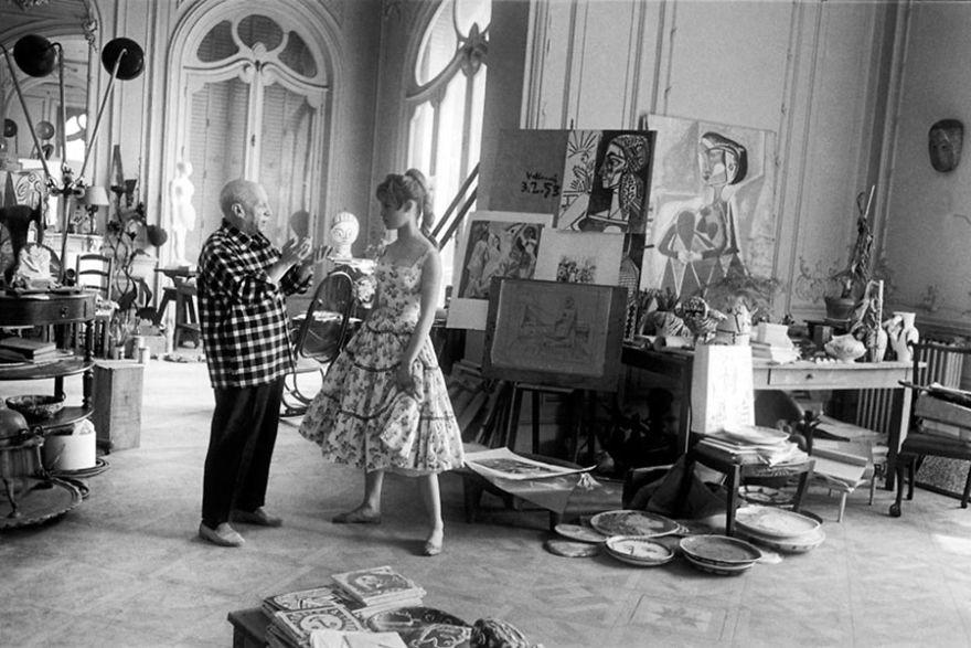 Resultado de imagen para TALLER de ARTE o estudio de trabajo artístico de famosos