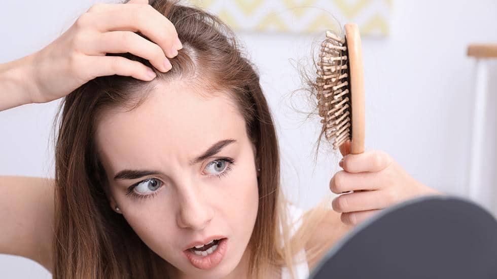 Chia sẻ bí quyết trị rụng tóc sau sinh hiệu quả cho mẹ  - Ảnh 1