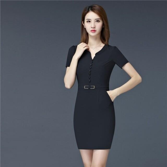 Hiện nay, các mẫu đồng phục công sở váy liền có mẫu mã, kiểu dáng rất đa dạng