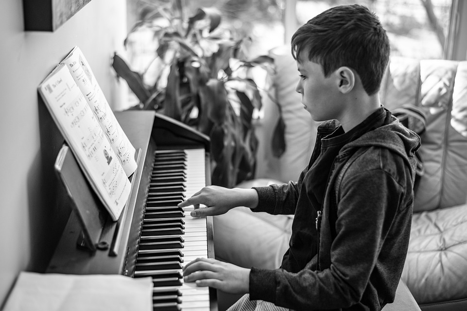 Best Pianos For Music Therapy To Students With Disabilities
