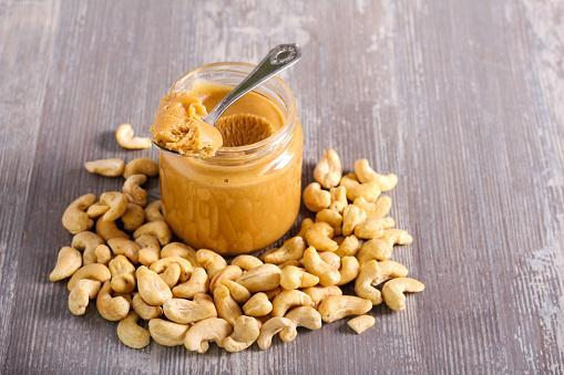 https://media.istockphoto.com/photos/cashew-butter-spread-in-a-jar-and-cashew-picture-id1195203063?b=1&k=6&m=1195203063&s=170667a&w=0&h=ufOQaZz-n2JA7sA0VZr58QiZy9A6EsgnZsssjrDuo4c=