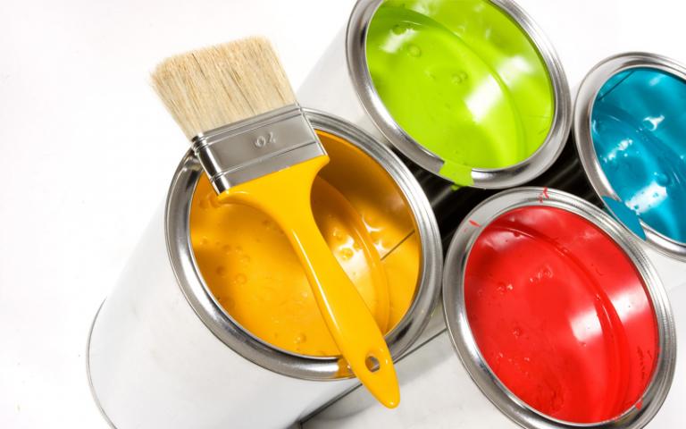 Sự đa dạng các loại sơn trên thị trường.