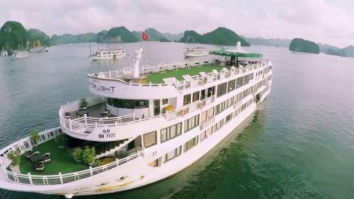 Top du thuyền Hạ Long sang chảnh, đẳng cấp nhất