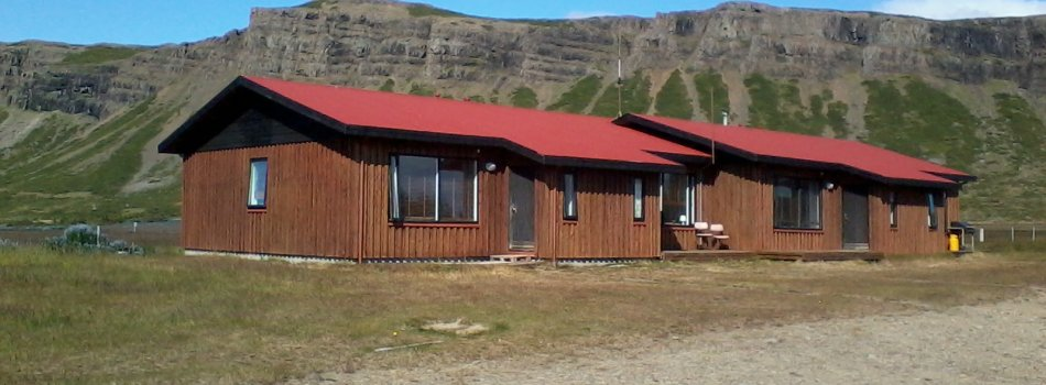 Rustic fully furnished cabin in front of Snæfelsnes Peninsula