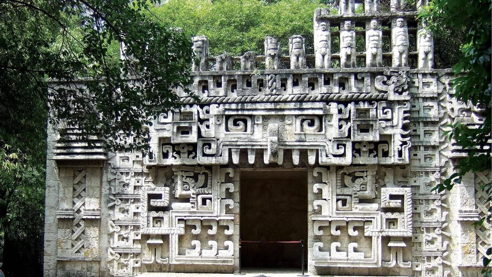 Un edificio antiguo  Descripción generada automáticamente con confianza media
