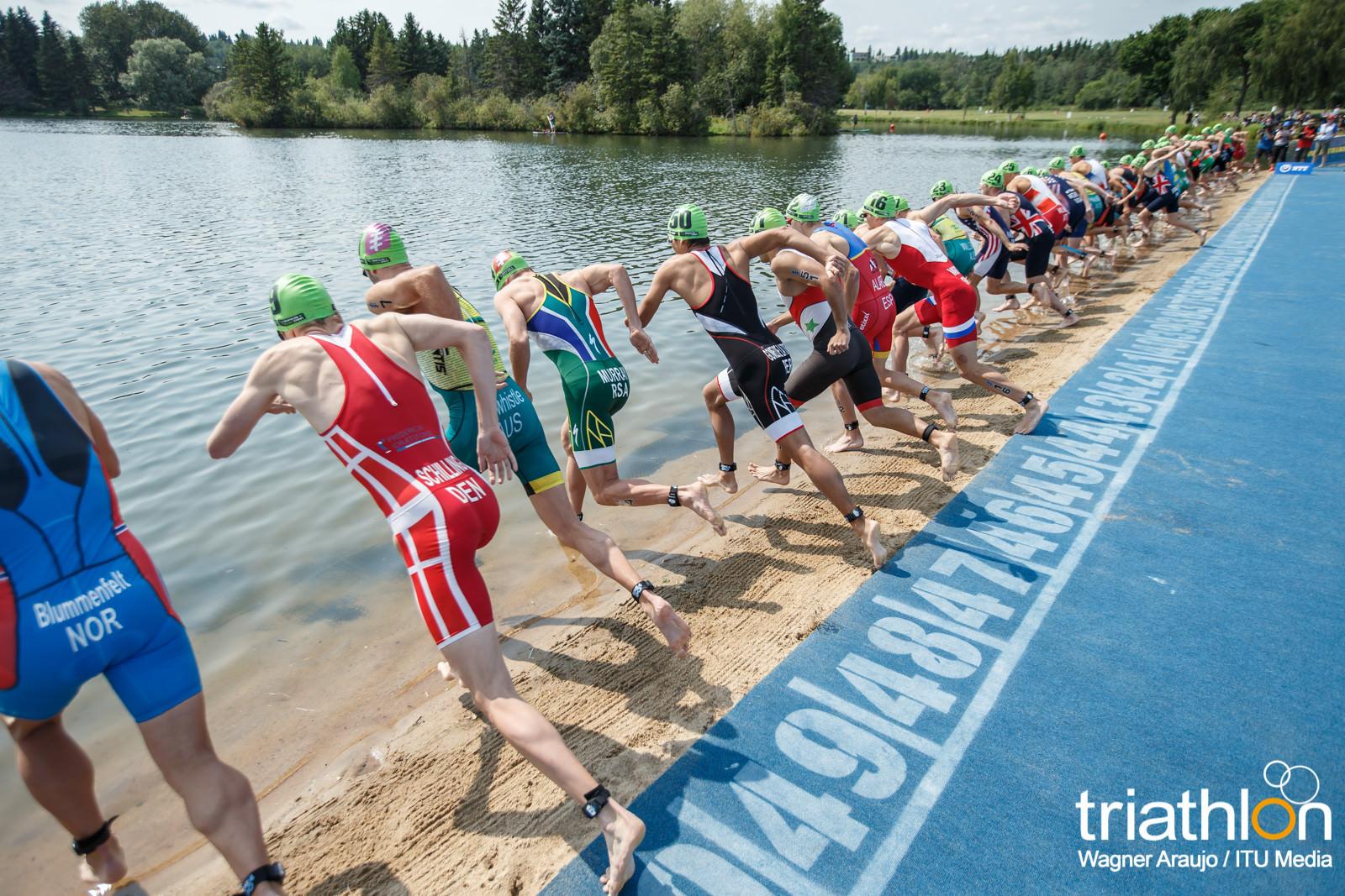 WTS Edmonton mężczyźni start z wody.jpg
