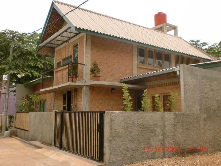 Rumah bata merah sederhana