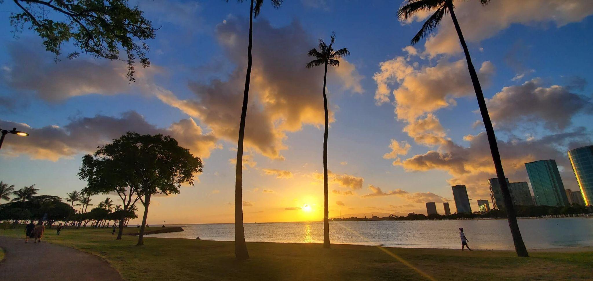 5 days in Oahu itinerary, Waikiki Beach Park sunset