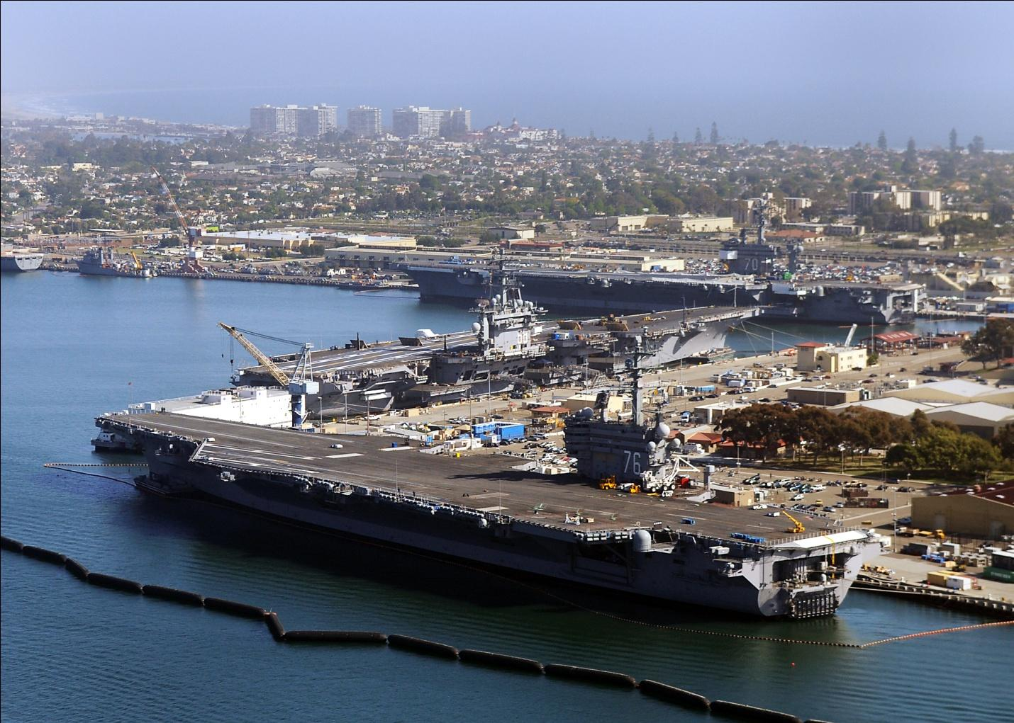 C:UsersCoeffDesktopArmy Base PicsNorth Island Naval Complex Navy Base in San Diego, CAUS_Navy_100506-N-8421M-124_The_aircraft_carriers_USS_Ronald_Reagan_(CVN_76),_USS_Nimitz_(CVN_68)_and_USS_Carl_Vinson_(CVN_70)_are_pierside_at_Naval_Air_.jpg