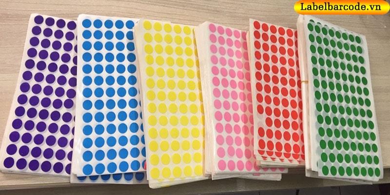 Decal tem tròn bế dạng tờ với màu sắc đa dạng