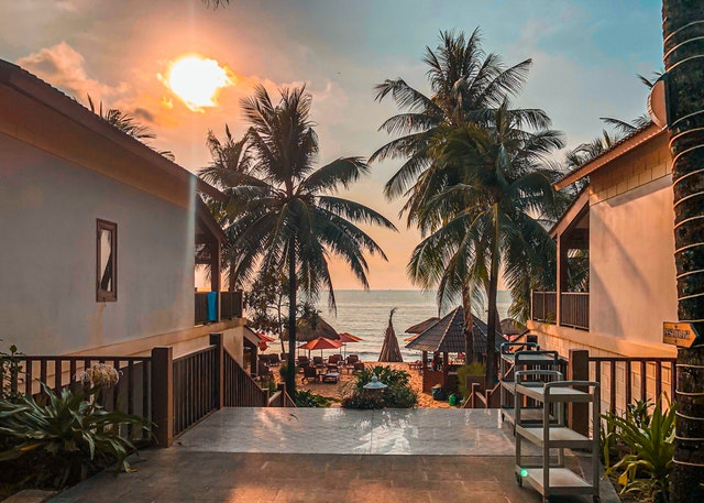 Vacation rentals situated a few steps away from the beach