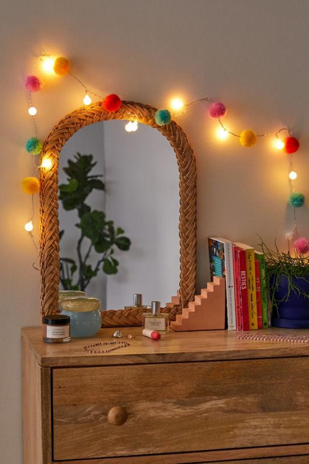Dresser Decor Ideas with String Lights