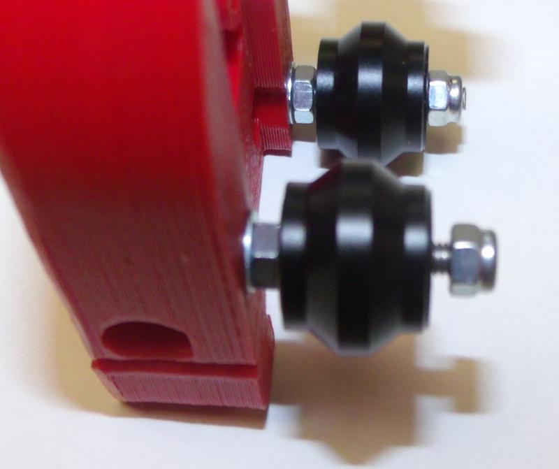R04-fit-v-rollers.JPG
