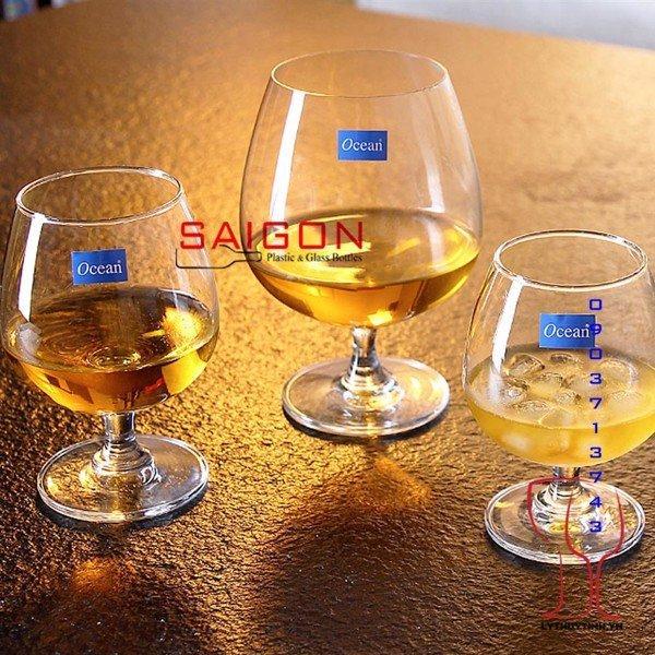 Mua ly uống rượu vang tại địa chỉ nào là chất lượng nhất ?