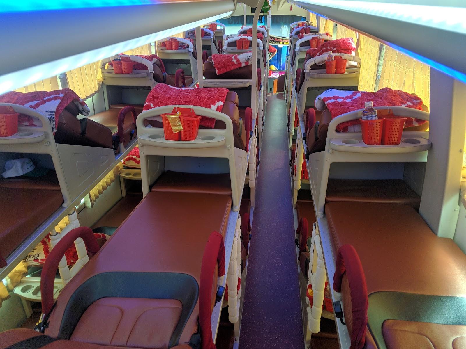 Nội thất xe Mười Phượng đi Bình Định từ Sài Gòn