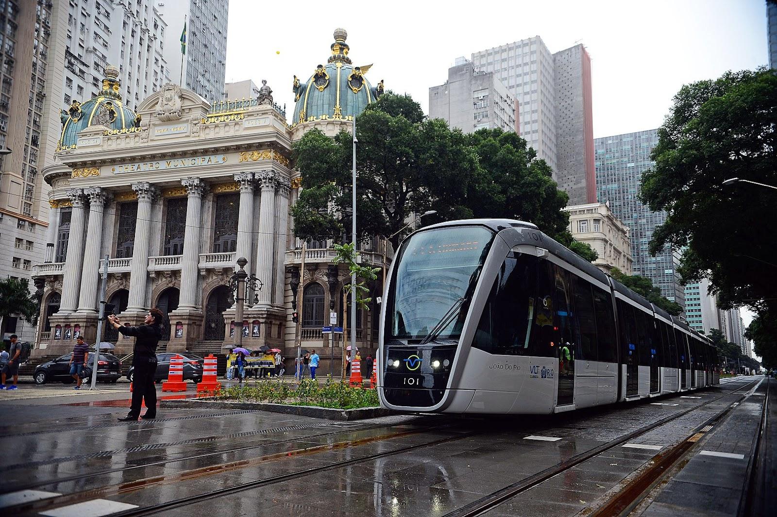 O VLT Carioca é um exemplo de sistema LRT (light rail transit) no Brasil (Imagem: Wikimedia Commons)