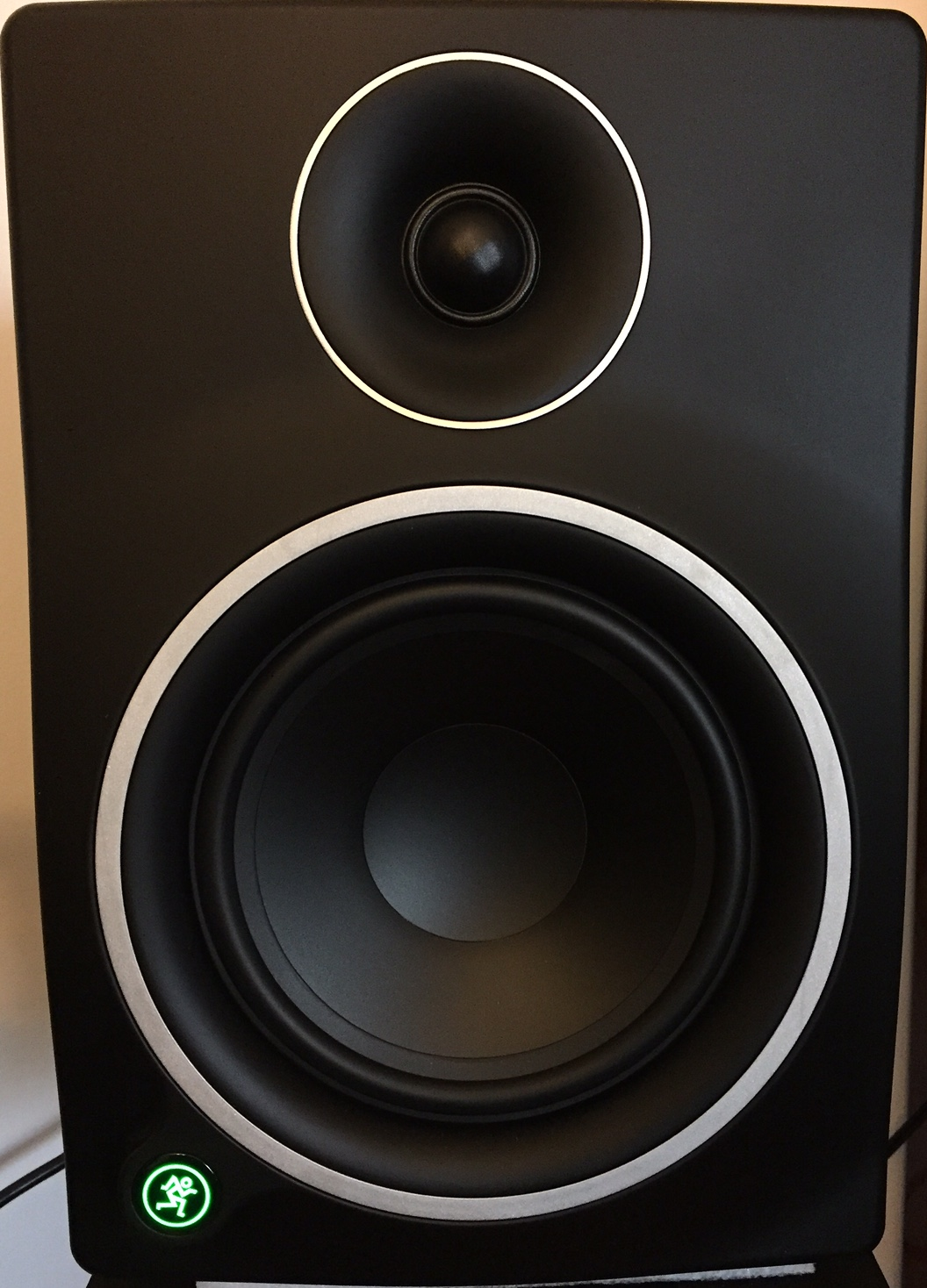 Mackie MR6mk3 studio monitors, personal (subjective) review | Super