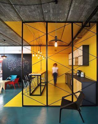 espace restauration d'entreprise de styles déco industriel et ludique