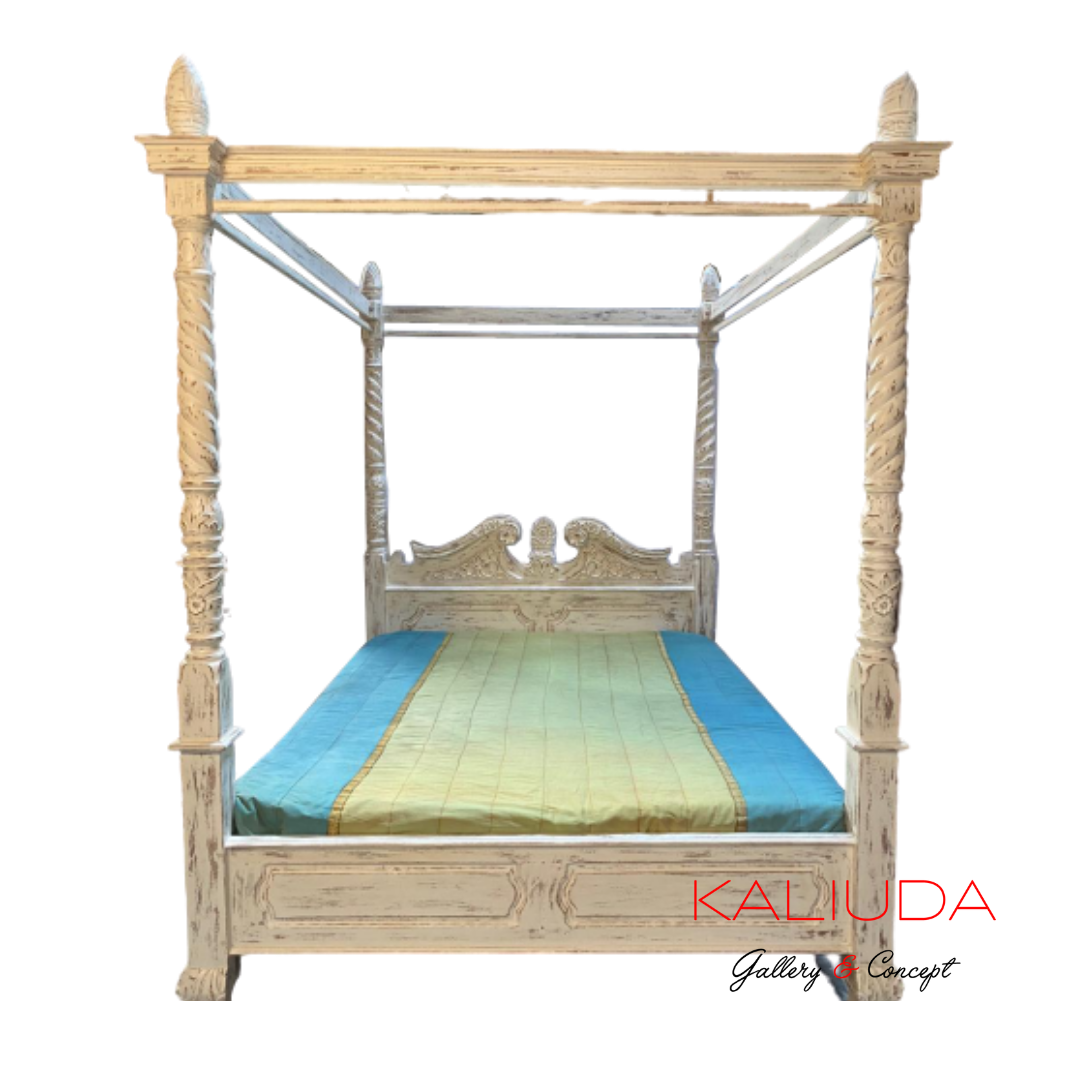 Canopy / Poster Bed by Kaliuda Gallery Bali