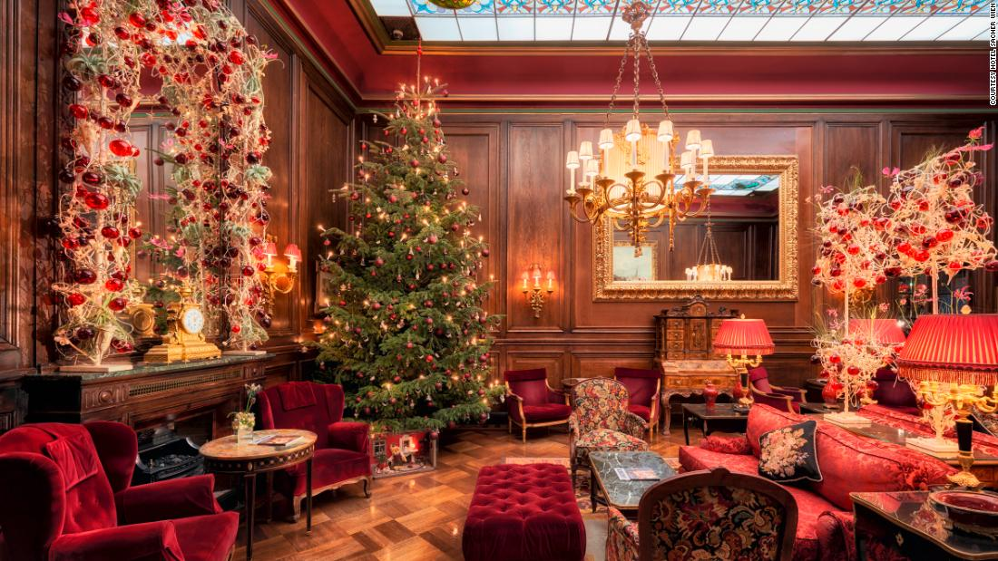 Best ways to decorate your home on Christmas occasion 1