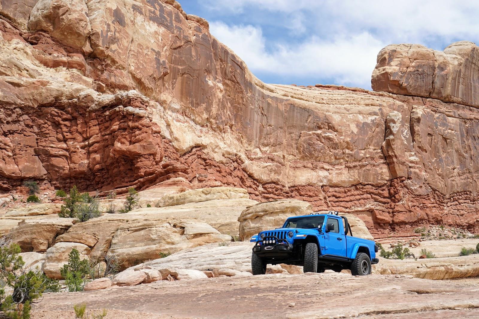 Jeep J6 off-road