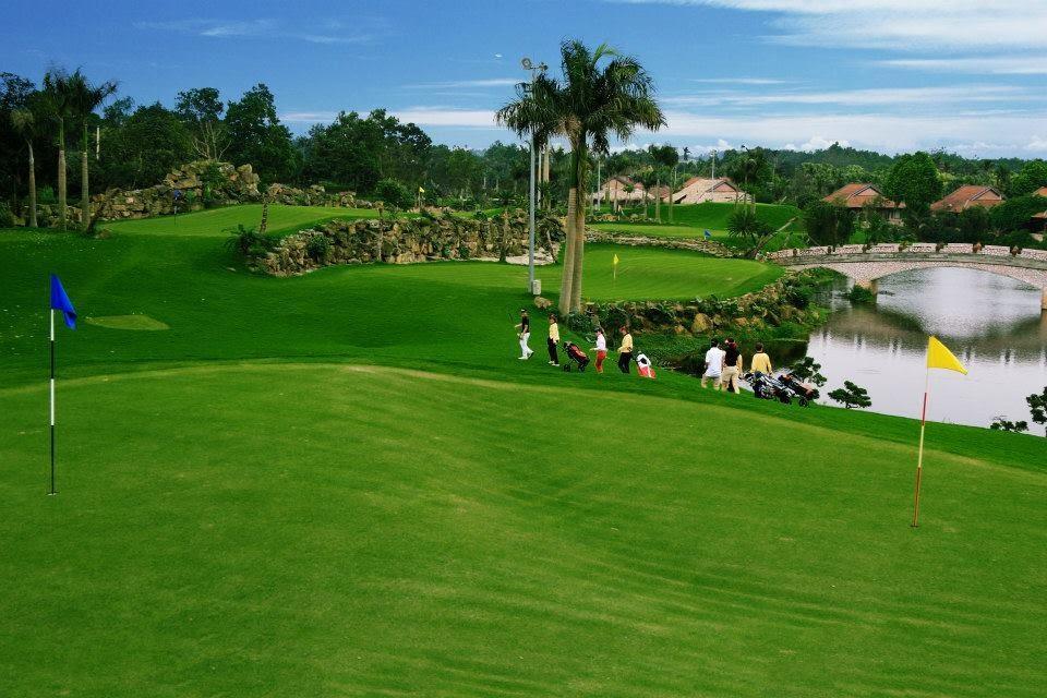 sân chơi golf tại asean Resort