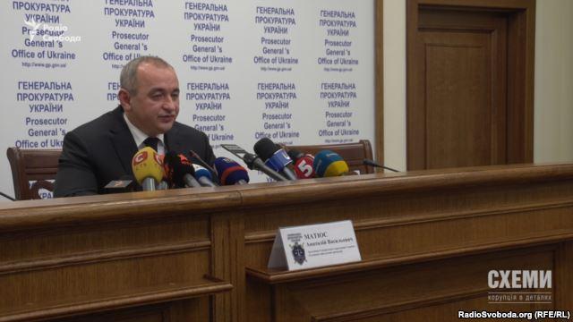 Головний військовий прокурор Анатолій Матіос також не захотів коментувати справу про закупівлю рюкзаків