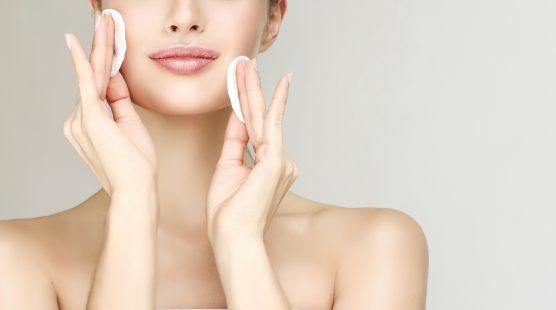 O que é bom para desintoxicar a pele do rosto?