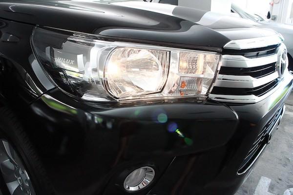 ไฟแบบ Multi Reflector ในรถ Toyota Revo