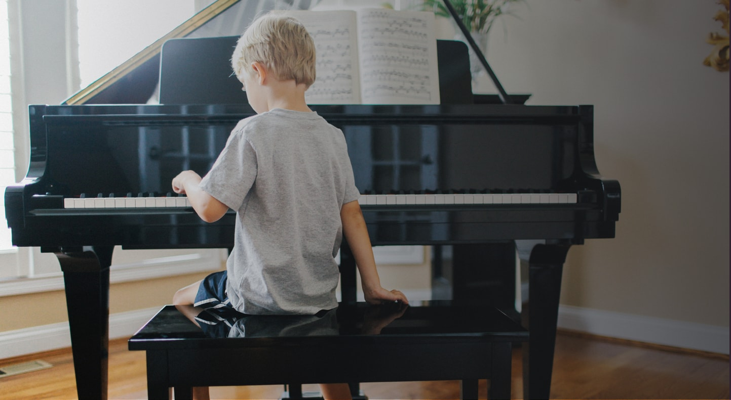 mua đàn piano cho bé mới học