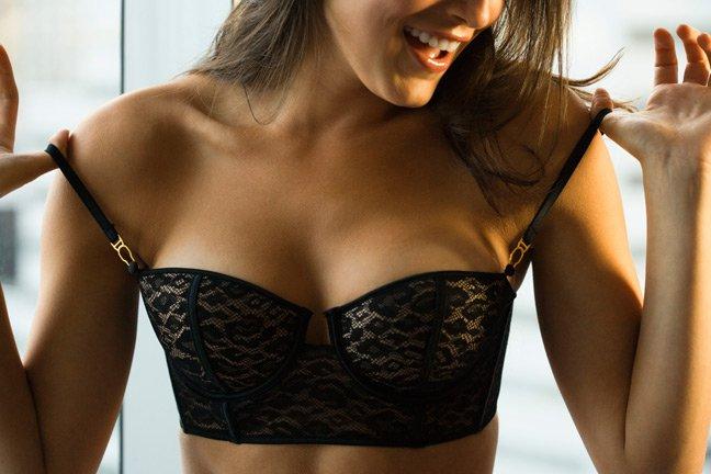 10. Never wear a wrinkled bra.