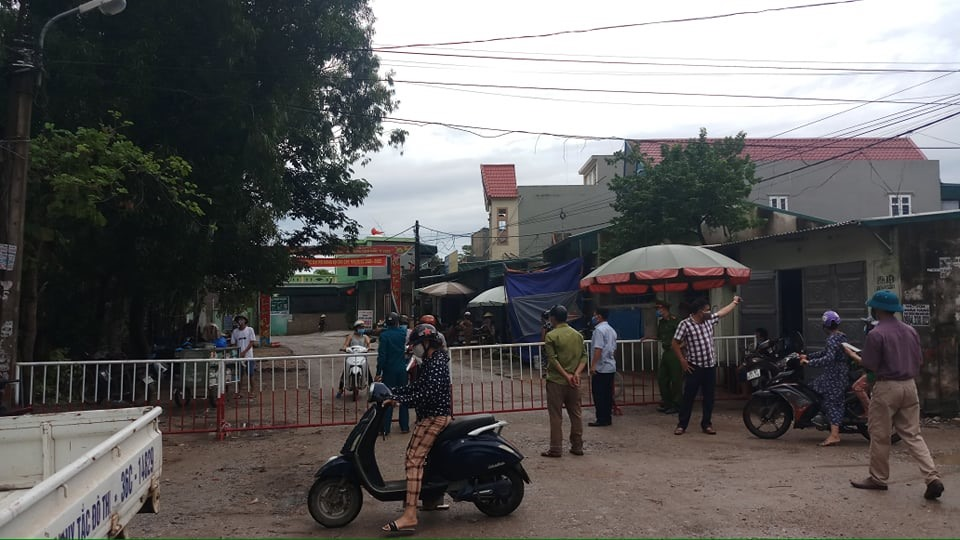 Thanh Hóa: Lãnh đạo ngại đi chống dịch vì… trời mưa
