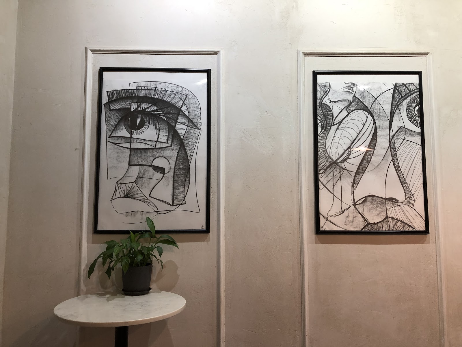 Картины в интерьере кофейни