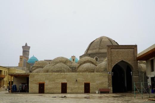 D:\WORK\Kultur\Hien_Kultur\UZB_Usbekistan\Fotos\UZB17_5112_Buchara_Bazar der Juweliere.jpg